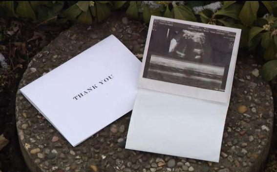 Семья получала письма от автосалона, похожие на спам. Но содержимое конверта потрясло их до глубины души