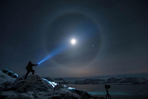 Фотограф долго смотрел на небо, выслеживая кадр мечты. Теперь в его архиве — красота целой вселенной