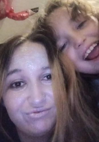 Мама разрешила дочке себя накрасить, но не убрала из косметички главное. Косплей на Эдварда Каллена не смыть