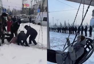 На очередные митинги в России вышли бабули и подростки. Их козырь, возможно, возраст, но он не спасёт от ОМОНа
