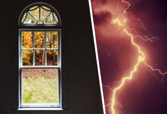 Парень снимал вид из окна, а получилось фото на миллион. Дело в молнии, разделившей снимок на до и после