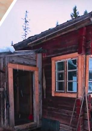 Пара из Швеции переехала в глушь и хвастает колоритом. Но их домик вряд ли удивит россиян — они в таких живут