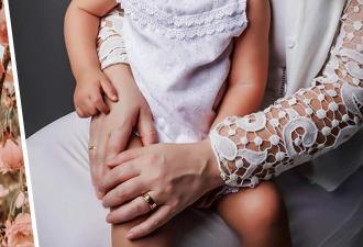 Мама с дочкой просто живут и покоряют людей видом. Ещё бы — у них четыре набора цвета кожи и волос на двоих