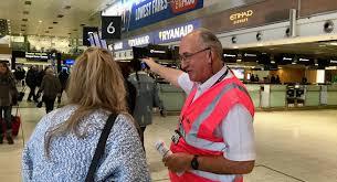 В аэропорту месяц жил оголодавший безбилетник. Домой вернули без документов – потребовались лишь лапки и хвост