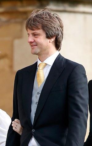 Сын без ведома отца продал семейное имущество за 1 евро. Проблемы у него теперь королевские, ведь папа - принц
