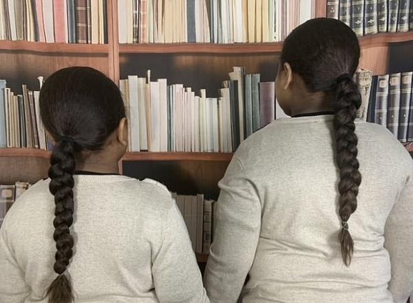 Братья-школьники пять лет не стригли волосы.