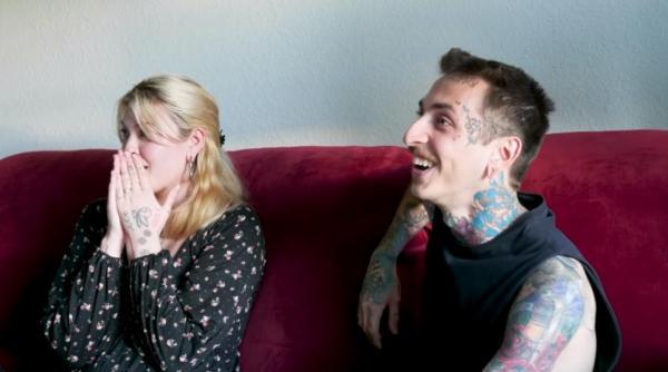 Фанатка тату на день закрасила свой боди-арт, удивив мужа. Его реакция сказала о совершённой ошибке лучше слов