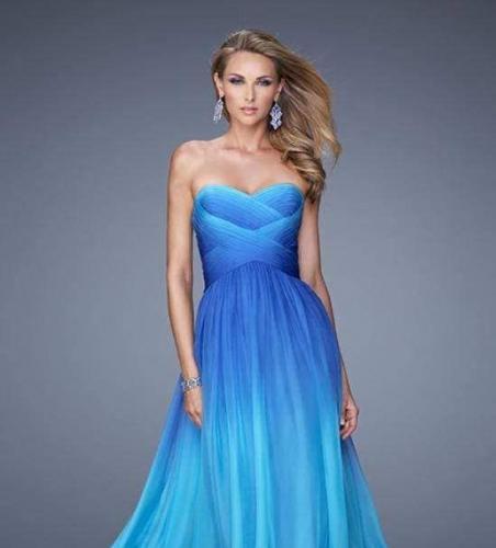 Невеста заказала копию дизайнерского платья в ателье. Результат порадовал бы того, кого не позвали на свадьбу