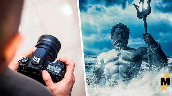 Фотограф запечатлел штормовое море во Франции и сломал людей. Ведь в волнах на снимке они видят Посейдона
