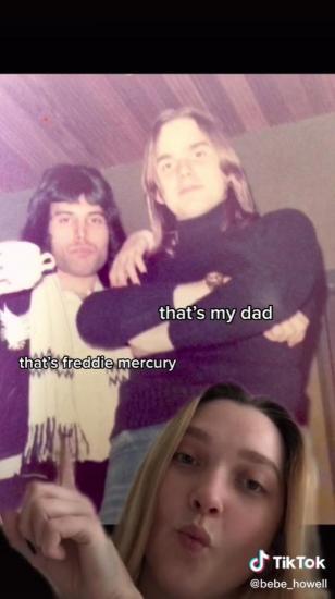 Девушка показала на фото, с кем был знаком её отец. Это Фредди Меркьюри, с которым они работали в 70-е