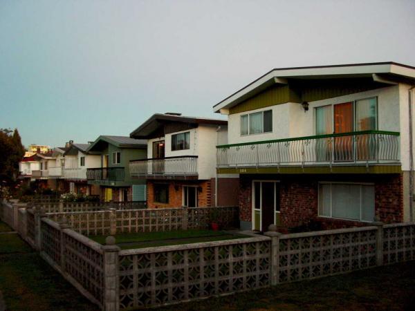 Зрители увидели дом на фото и решили: так выглядит Minecraft в жизни. Но больше его вида удивляет цена здания