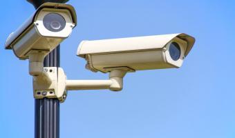 Парень собрал из очков шпионский девайс и стал невидимым для системы распознавания лиц. Бонд, разлогинься