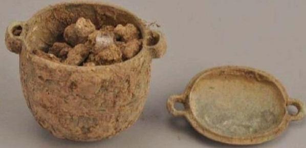 Археологи нашли древний крем и удивили опытных косметологов. Ещё бы: рецепт неизменен на протяжении тысяч лет