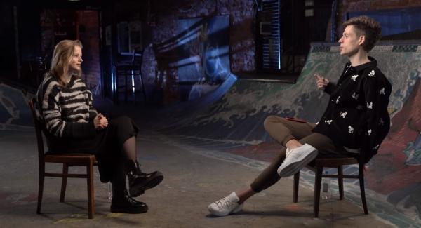 Юрий Дудь взял интервью у актрисы Саши Бортич.