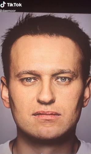 Художница сделала идеальное лицо Алексея Навального и сломала людей. Они видят в нём Капитана Америку