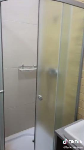 Студентка показала русское общежитие, и люди не могут перестать плакать. Ведь это место больше похоже курорт
