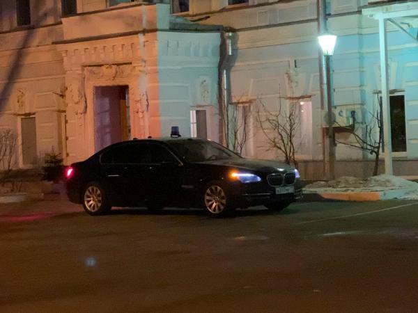 """Луиза Розова рассказала в сторис, что в клуб """"Ровесник"""" приехала на такси. Но люди нашли водителя и удивились"""