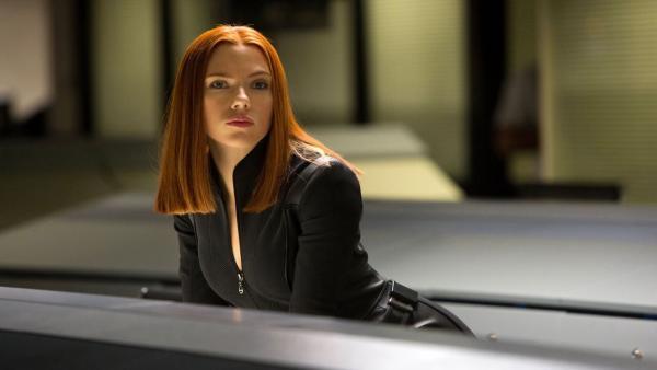 Россиянка косплеит Скарлет Йоханссон так, что актриса выходит из чата. Даже фаны не отличат клона от Романофф