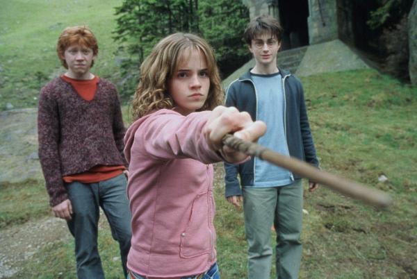 """Поклонница пригляделась к """"Гарри Поттеру"""", а там - """"ненастоящие"""" герои. И этой магии Хогвартса есть объяснение"""