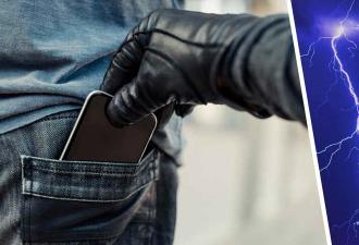 """Вор украл телефон, а карма сработала мгновенно. Он не знал, что живёт в """"Шоу Трумана"""" и весь город против него"""