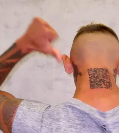 Блогер набил тату с QR-кодом, но рано радовался. Ссылка привела не на его страничку, а к грандиозному фейлу