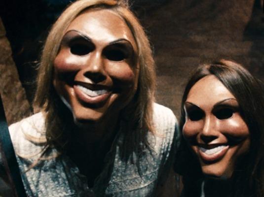 Модель увидел маску в инстаграм и захотел себе такое же лицо. Но в Красавчике Сквидварде его теперь не узнать