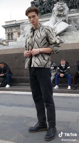 """Блогерша взяла интервью у парня, а там Лео Ди Каприо (почти). Люди теперь знают, кто сыграет Джека в """"Титанике"""""""