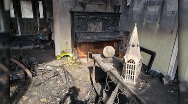 Семья купила магический шар и разочаровалась. Он не просто не предсказал пожар в их доме, но и сам его устроил
