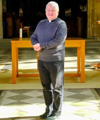 Священник устроил онлайн-службу, но зрителям было не до молитв. Ещё бы, ведь проповедь вёл сам Хайзенберг