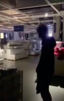 Ночь в музее? А может, ночь в Икее? Друзья сняли на видео, как исполнили мечту любого, и вот, что получилось