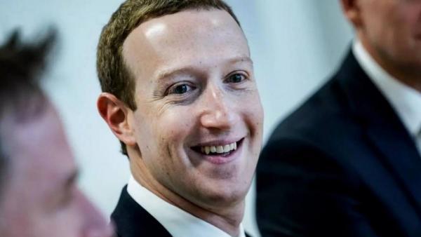 Марк Цукерберг хотел стать поближе к народу и прогадал. Одна фраза - и главу Facebook сочли роботом