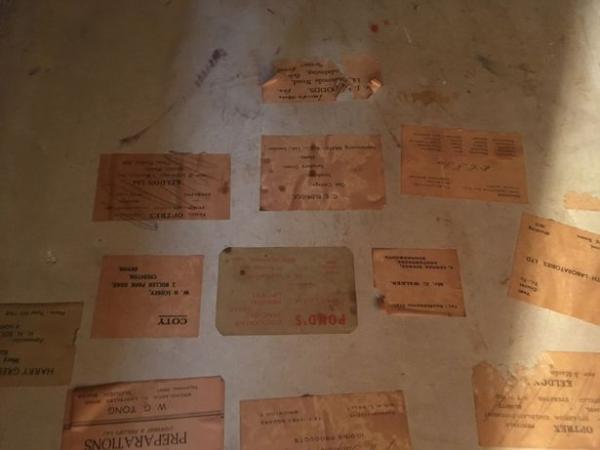 Ресторатор нашёл тайную комнату, а в ней записка. Несколько строк, и он понял: это не последний секрет здания