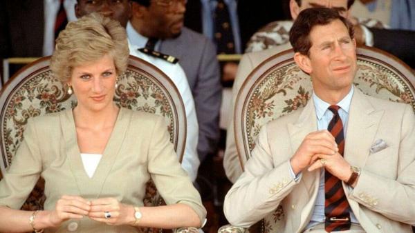 Кончина супруга Елизаветы II и свадьба принца Чарльза связаны. Блогер сравнил даты и нашёл пасхалку от леди Ди