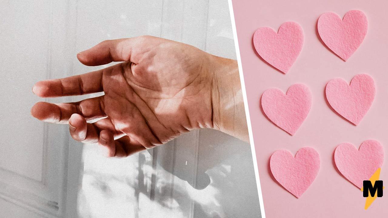 Жена показала руку мужа, и люди угадали его дар. Один взгляд на фото, и вы поймёте, почему он хорош в боулинге