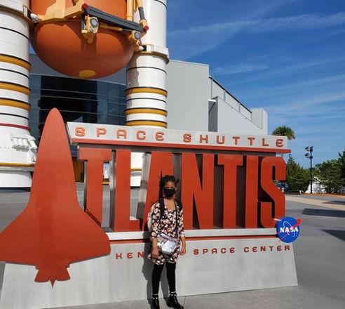 Школьница мечтает о работе в NASA, удивляя своих родителей. Они не ожидали, на что способен ребёнок в 12 лет