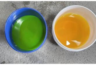 На фото в вёдрах жидкость разного цвета, но это обман. Узнав реальный оттенок спирта, вы помчитесь к физичке