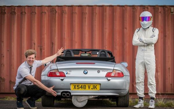 Блогер собрал машину Джеймса Бонда, повторив функции оригинала. В ней любой почувствует себя спецагентом
