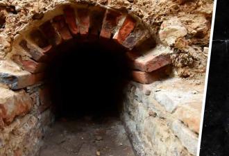 Строители наткнулись на туннель под землёй и правильно сделали, что не вошли. От таких находок нужно бежать