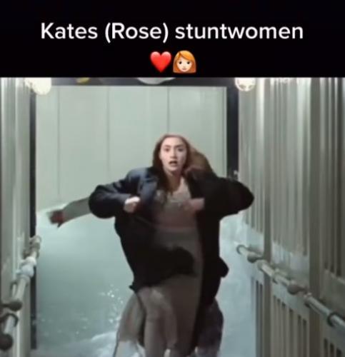 """Фанатка фильма """"Титаник"""" показала сцену с дублёршей Кейт Уинслет. Вы все видели её лицо, но никто не заметил"""