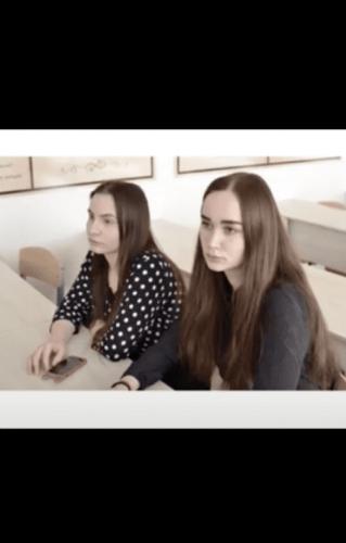 Блогерша показала, как изменилась вместе с подругой. Плюсом к новым причёскам – новые лица, и людям не по себе