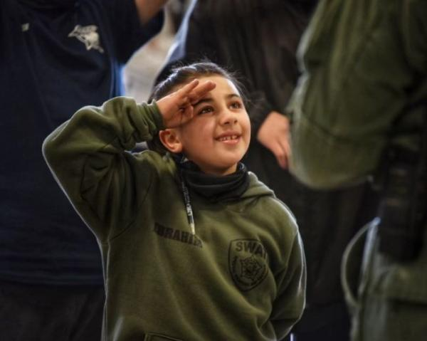 Семилетка загадал желание и вот он уже бежит в отряде спецназа спасать мир. Да, такое тоже возможно