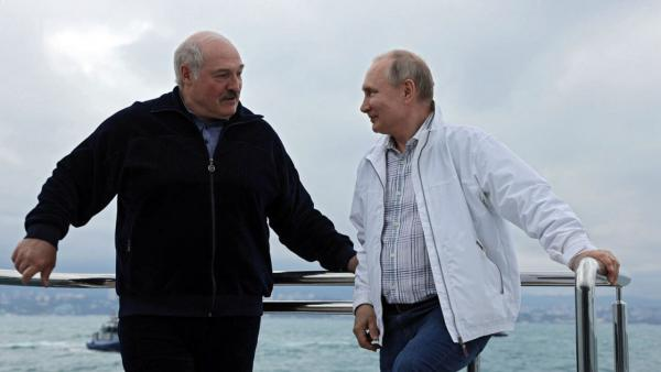 Кадры с Владимиром Путиным и Александром Лукашенко – мем о чувствах. Увидев их, россияне поют трек Натали