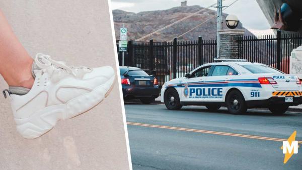Полицейские увидели торчащую из авто ногу и решили - это похищение. Они ещё не знали, как им придётся краснеть