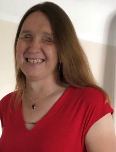 Мужчина в 40 лет ослеп, а через год сменил пол. Знакомьтесь с женщиной, которая не знает, как она выглядит