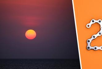 Зевака посмотрел на небо и застыл на месте. Два солнца до этого он видел только в «Звёздных войнах»