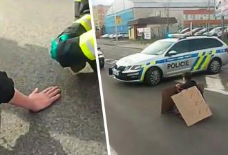 Активистка переиграла полицию на акции протеста. Девушка приклеила себя к асфальту — и произошло чудо