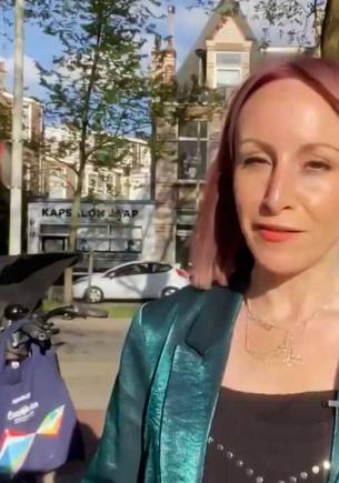 Журналистка взяла на работу дочь, и что же могло пойти не так? Репортаж вышел не о музыке, а о железных нервах