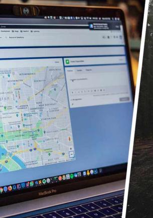 Дизайнер так прогулялась по Google Maps, что больше ни ногой. Загадка дома-фантома с фото лишила девушку сна