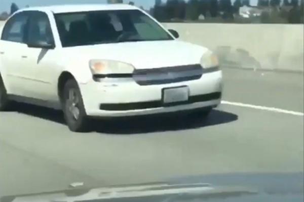 """Водитель сел за руль машины и попал в """"Довод"""". Иначе зрители этой реверсии его поездку объяснить не смогли"""