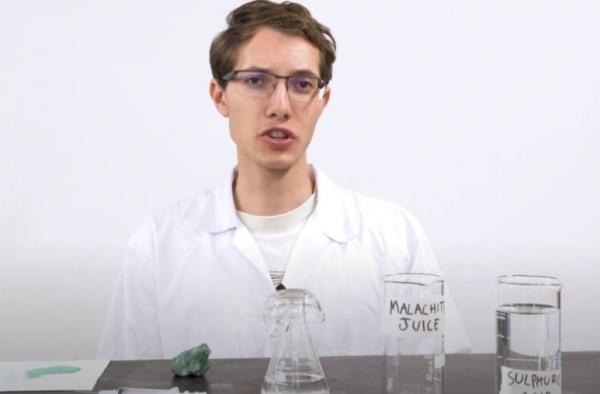 Учёный сделал паутину Спайдермена всего из четырёх ингредиентов. Алло, Marvel, реальный герой не интересует?